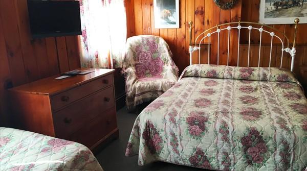 Room 13 – Queen + Twin
