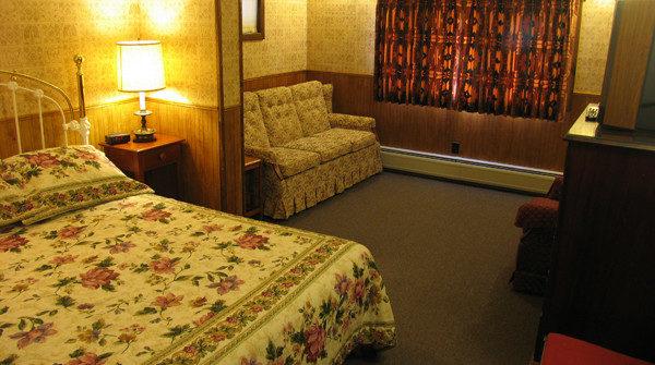 Room 12 – Queen