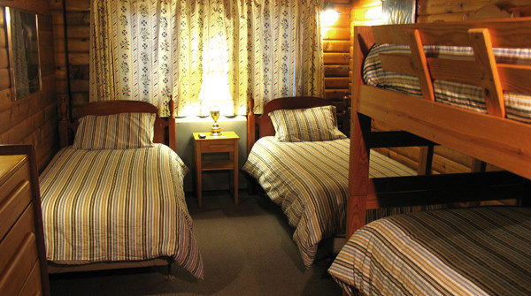 Room 15 – Two Twin + Bunk